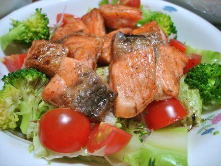 1404graffti_salmon